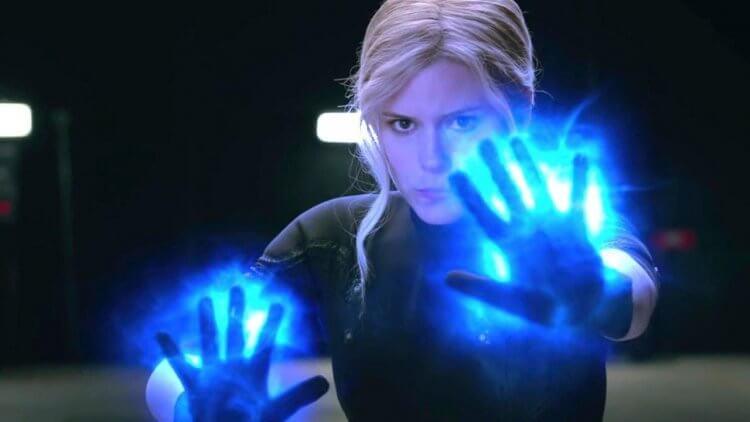 在 2015 年版的《驚奇 4 超人》凱特瑪拉飾演的隱形女可以製造力場,形成防護罩。