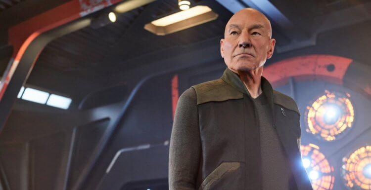 《星際爭霸戰》系列最新影集《星際爭霸戰:畢凱》派屈克史都華以艦長畢凱的身分再次回歸。