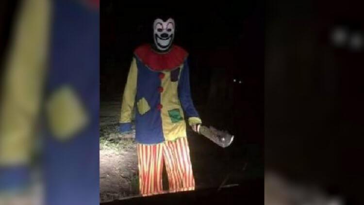 2016 年 8 月第一個被拍到的隨機嚇人小丑。
