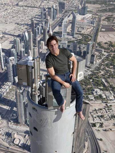 湯姆克魯斯拍攝《不可能任務》系列時,堅持親自挑戰特技場面。