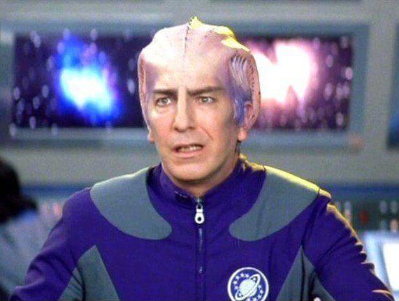 艾倫瑞克曼在科幻電影《驚爆銀河系》飾演科學官拉撒路。