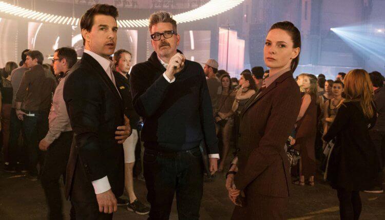 《不可能的任務:全面瓦解》主角湯姆克魯斯、蕾貝卡弗格森以及導演克里斯多福麥奎里。