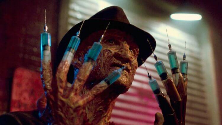《半夜鬼上床》系列電影裡的佛萊迪的恐怖臉孔真令人難忘。