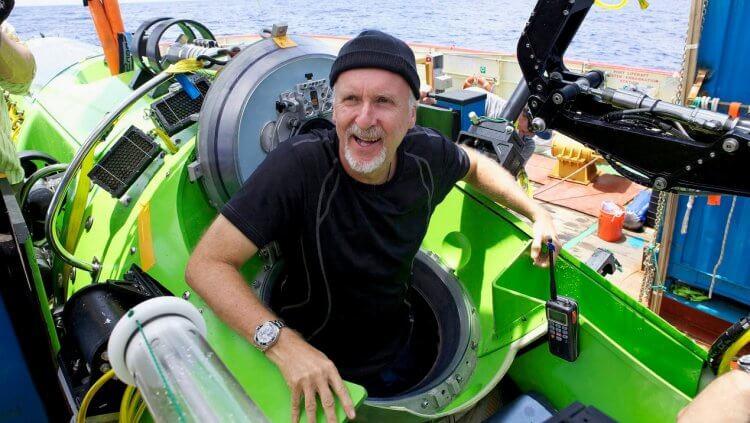 詹姆斯卡麥隆船長。