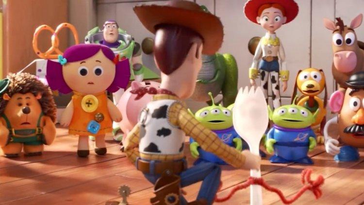 睽違十年,迪士尼皮克斯推出最新的《玩具總動員 4》動畫電影,胡迪、巴斯光年、牧羊女、叉奇......等新舊角色將再度登場。