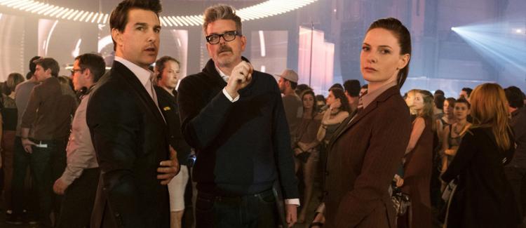 《不可能的任務:全面瓦解》導演克里斯多福麥奎里與主演湯姆克魯斯、蕾貝卡弗格森。