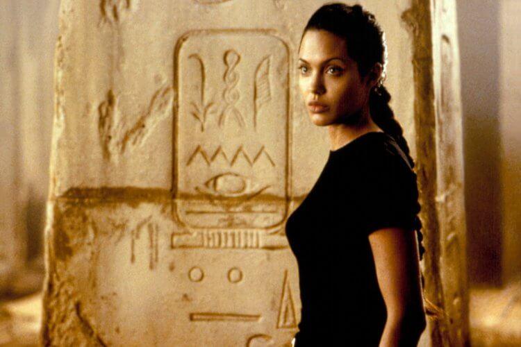 安潔莉娜裘莉 (Angelina Jolie) 。