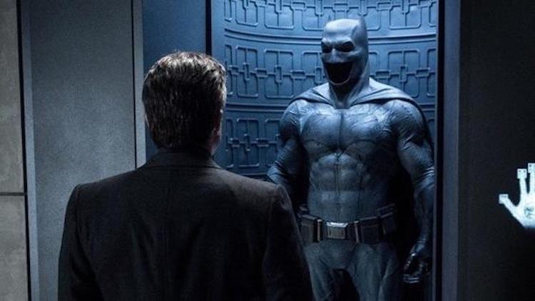 班艾佛列克 (Ben Affleck) 去年卸下蝙蝠袍,蝙蝠俠正式換人演。