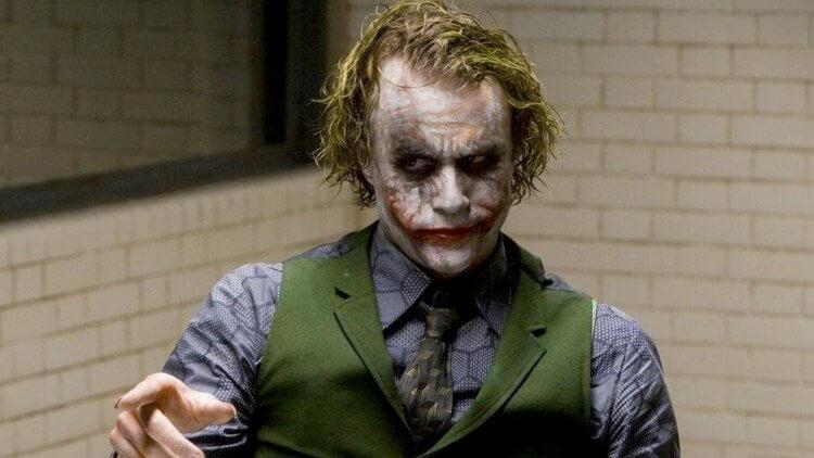選角大失敗?當全世界的目珠都被蛤仔肉糊到(七):《黑暗騎士》小丑,曾是編劇、電影公司與粉絲們公認的「史上最爛選角」首圖