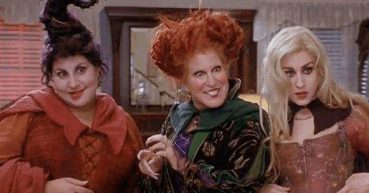 《女巫也瘋狂》(Hocus Pocus) 中由貝蒂蜜勒 (Bette Midler)、莎拉潔西卡帕克 (Sarah Jessica Parker) 以及凱西那吉米 (Kathy Najimy) 所飾演的經典角色