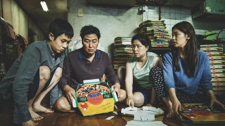韓國導演奉俊昊的《寄生上流》獲得了今年坎城影展金棕櫚獎,並將代表韓國角逐 2020 年奧斯卡最佳國際影片(原最佳外語片)獎項。