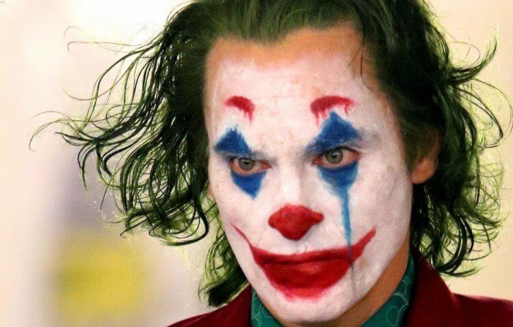 瓦昆菲尼克斯 (Joaquin Phoenix) 將主演《小丑》。