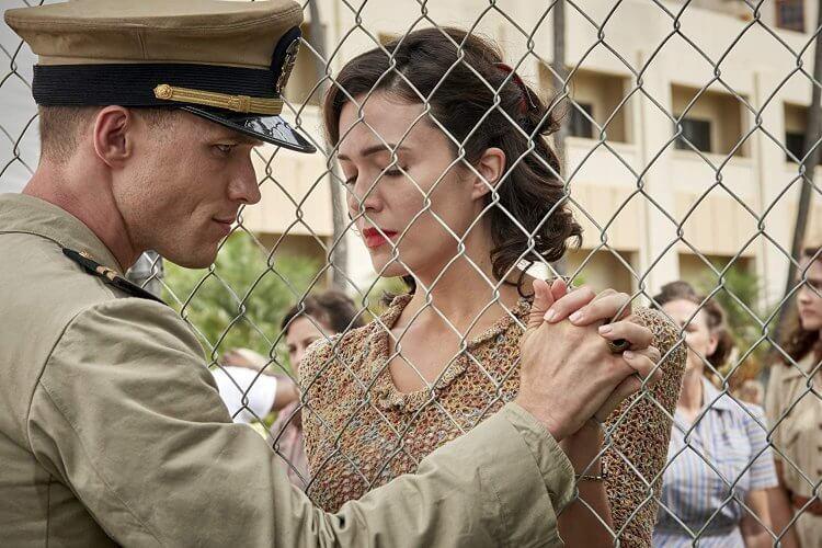 在電影《中途島大戰》裡,艾德斯克林與曼蒂摩兒飾演貝斯特夫婦