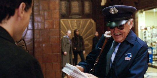漫畫作者史丹李客串演出 2005 年電影《驚奇 4 超人》。