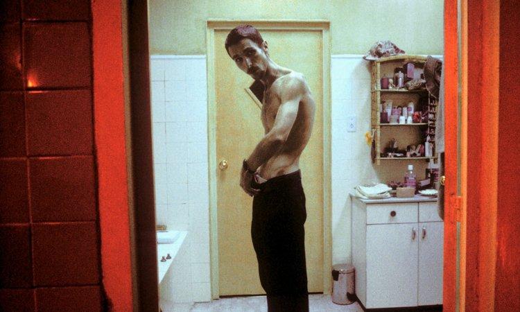 《克里斯汀貝爾之黑暗時刻》(The Machinist) 電影劇照,骨瘦如柴的克里斯汀貝爾。