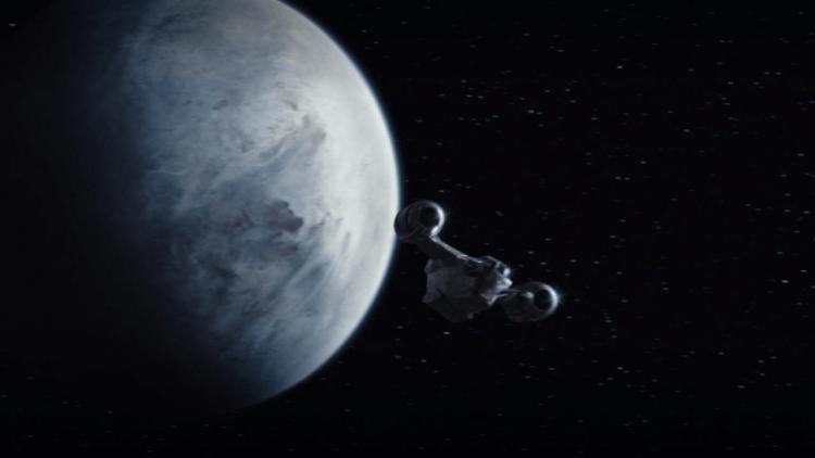 《曼達洛人》的太空船名為「剃刀之冠」。