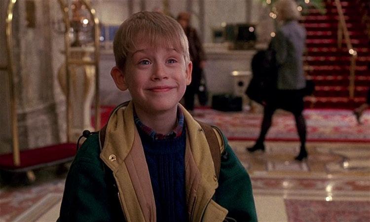 由麥考利克金 (Macaulay Culkin) 主演的《 小鬼當家 2 》找來川普客串。