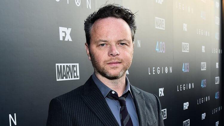 曾創作《冰血暴》《變種軍團》等金獎影劇作品的電視製作人及作家:諾亞霍利。