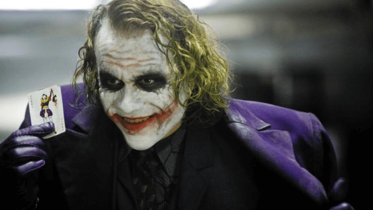 已故演員希斯萊傑在諾蘭《蝙蝠俠》系列中飾演的小丑 讓他獲得了奧斯卡最佳男配角