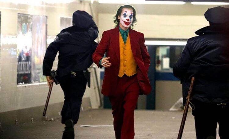 由陶德菲利普斯導演,瓦昆菲尼克斯主演的電影《小丑》即將陸續在全球上映,渲染力極強的劇情可能會影響觀眾的心情。