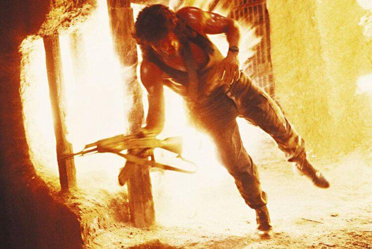 席維斯史特龍 (Sylvester Stallone) 主演的《第一滴血第三集》幾乎是全面開殺,奮勇殺敵。