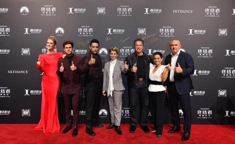 《魔鬼終結者:黑暗宿命》演員出席中國首映。