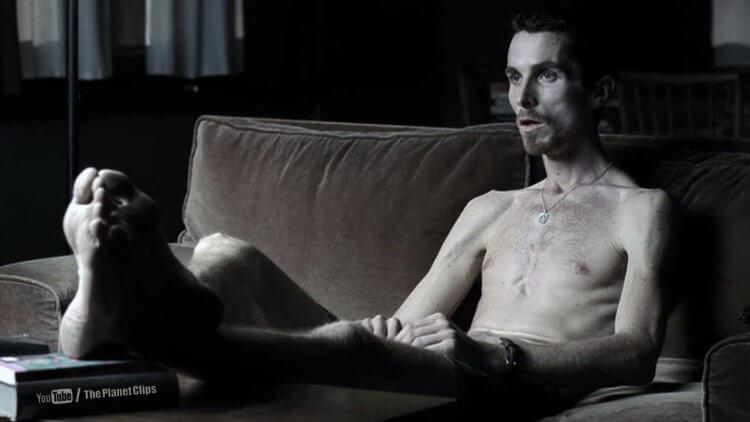 克里斯汀貝爾演出《克里斯汀貝爾之黑暗時刻》時將自己瘦成皮包骨的樣子,令人怵目驚心。