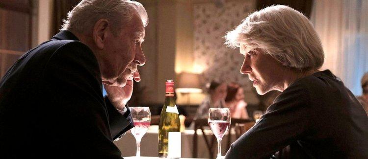 《大說謊家》是由比爾坎登導演執導,海倫米蘭、伊恩麥克連共同主演的小說改編電影。