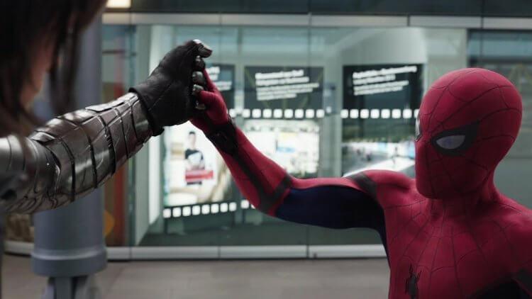 《美國隊長 3:英雄內戰》中登場的蜘蛛人,我們知道他是蜘蛛人,但我們未能從電影當中得知他從何而來。