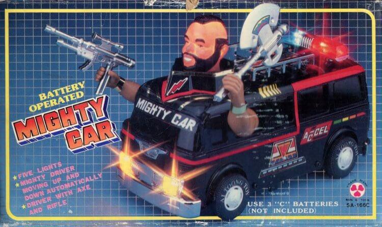 80 年代紅極一時的影集《天龍特攻隊》中,以 Mr.T T 先生造型推出的玩具。