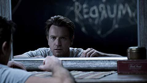 由《鬼入侵》導演麥可弗拉納根執導的《安眠醫生》獲得原著作者史蒂芬金以及影評人的肯定。
