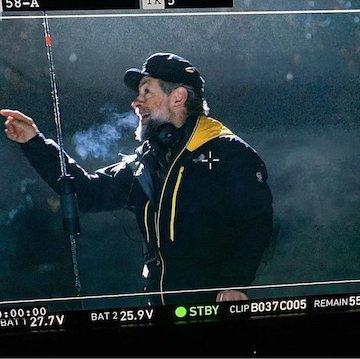 電影《猛毒 2》導演為安迪瑟克斯 (Andy Serkis)。