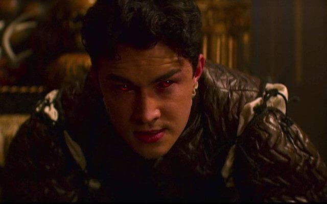 Netflix 青春魔幻女巫影集《莎賓娜的顫慄冒險》中由蓋文萊勒伍德飾演的尼克,在第二季為了封印黑魔神而犧牲。