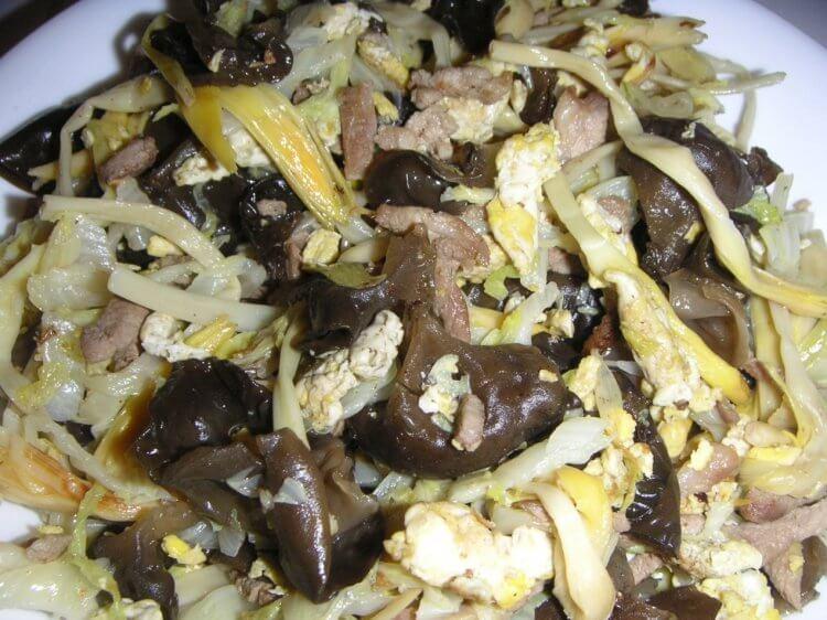 《花木蘭》中的「木須」角色名字,在中國料理中是雞蛋的意思。