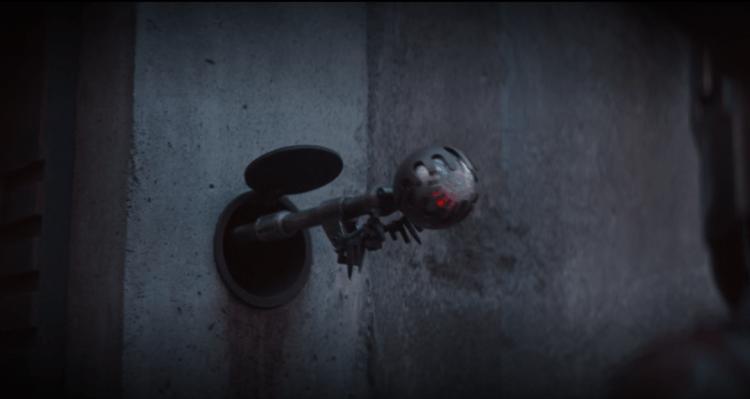 《曼達洛人》中看守委託人藏匿處的守衛是《星際大戰六部曲:絕地大反攻》裡出現過的 TT-8L/Y7 機器人。