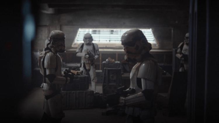 《曼達洛人》的故事是設定在《星際大戰六部曲:絕地大反攻》後,帝國已經正式垮台。這部影集中仍可以看到殘存的帝國擁護者以及風暴士兵。