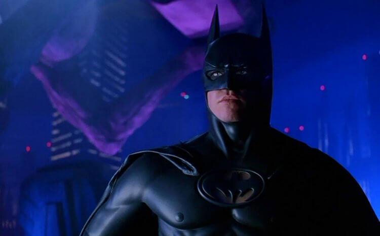 喬伊舒馬克執導,集結湯米李瓊斯、金凱瑞、妮可基嫚、克里斯歐唐納與方基墨等巨星的《蝙蝠俠 3》。