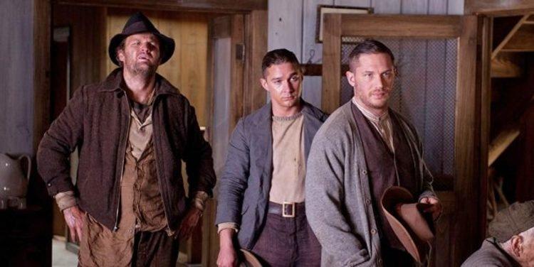 2012 年《野蠻正義》(Lawless) 描述發生在禁酒年代的歷史犯罪故事,湯姆哈迪與西亞李畢福飾演的感情濃厚的兄弟。