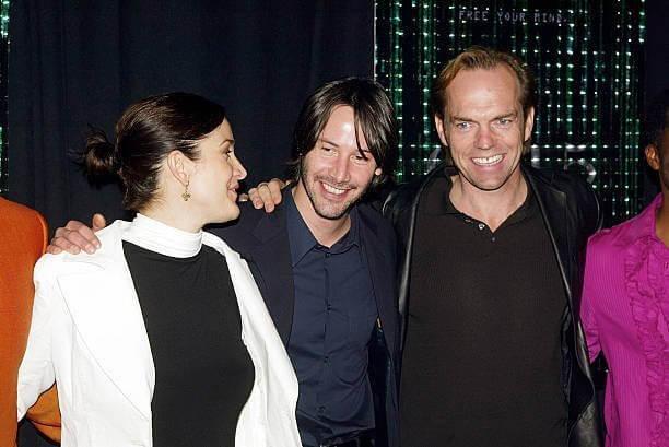 共演《駭客任務》電影的「崔妮蒂」凱莉安摩絲、「救世主尼歐」基努李維與「史密斯」雨果威明。