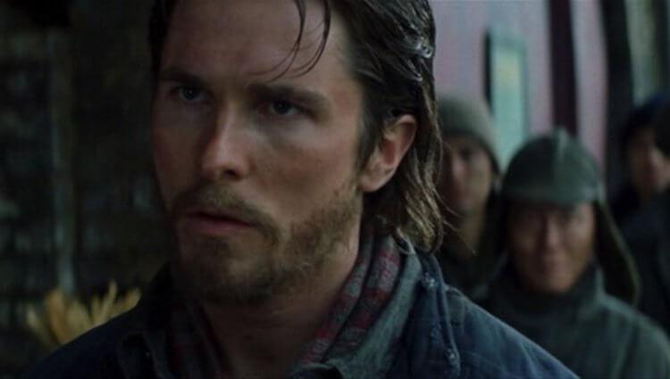克里斯多福諾蘭執導的《蝙蝠俠》黑暗騎士三部曲的蝙蝠俠是由克里斯汀貝爾主演。