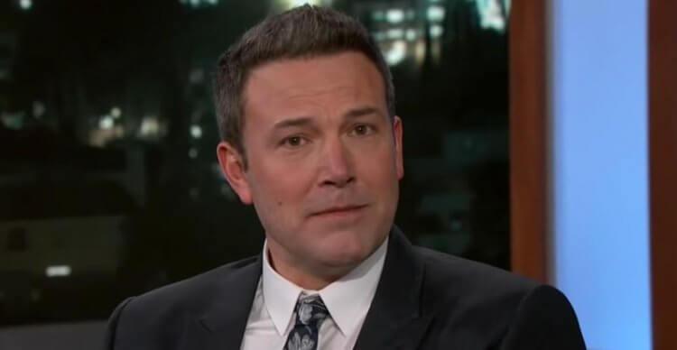 日後班艾佛列克在節目《吉米夜現場》宣布辭演蝙蝠俠,將斗篷讓給其他適任人選。