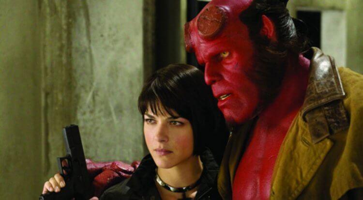 莎瑪布萊兒出演過 2004、2008 年的暗黑超級英雄電影《地獄怪客》系列。