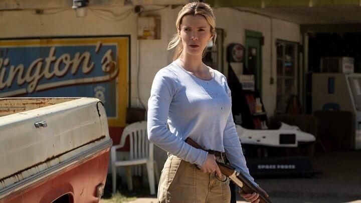 電影《獵殺》(The Hunt) 因槍擊案題材與現實生活中的重大刑案有所重疊,原訂上映計畫被迫自肅延期,仍在冷宮。
