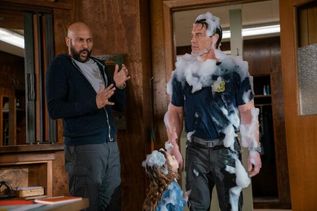 家庭喜劇《救火奶爸》後來居上,總票房漸漸追上《安眠醫生》。