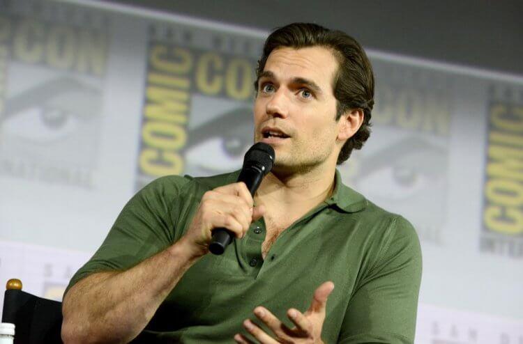 曾飾演過 DC 超英雄「超人」的亨利卡維爾,是《獵魔士》的死忠粉絲。