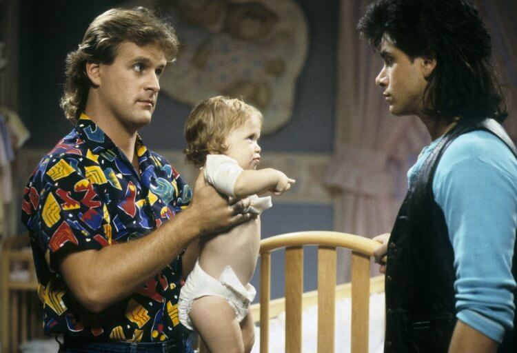 《俏皮老爸天才娃/歡樂滿屋》(Full House) 的小嬰兒蜜雪兒坦納 (Michelle Tanner) 是由馬莉凱特與艾希莉一起飾演的,這是他們的首次演出。