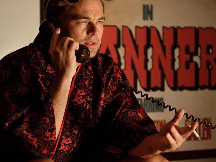 《從前,有個好萊塢》拍攝片場是禁止使用手機的。