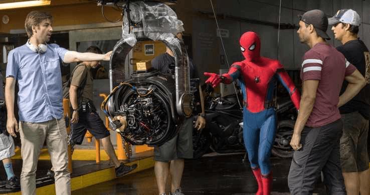 拍攝《蜘蛛人》電影的強華茲導演(左)是否能順利接續進行《蜘蛛人 3》?