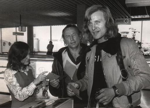 范赫文(中)與豪爾(右)