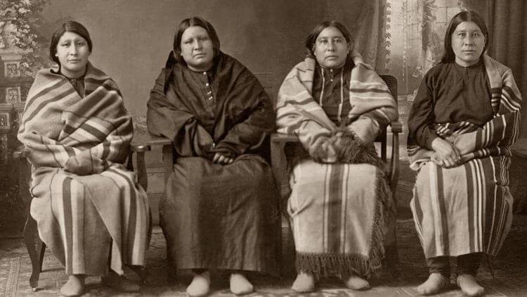 小說《花月殺手》講述美國歐塞奇印地安人接連遭到神祕謀害的懸案。